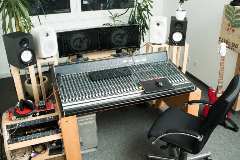 Mischpult der Tonstudio Regie